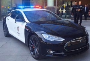 La police luxembourgeoise en Tesla, un bel exemple !
