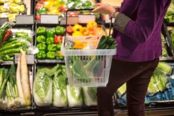 women_shopping_vegetables
