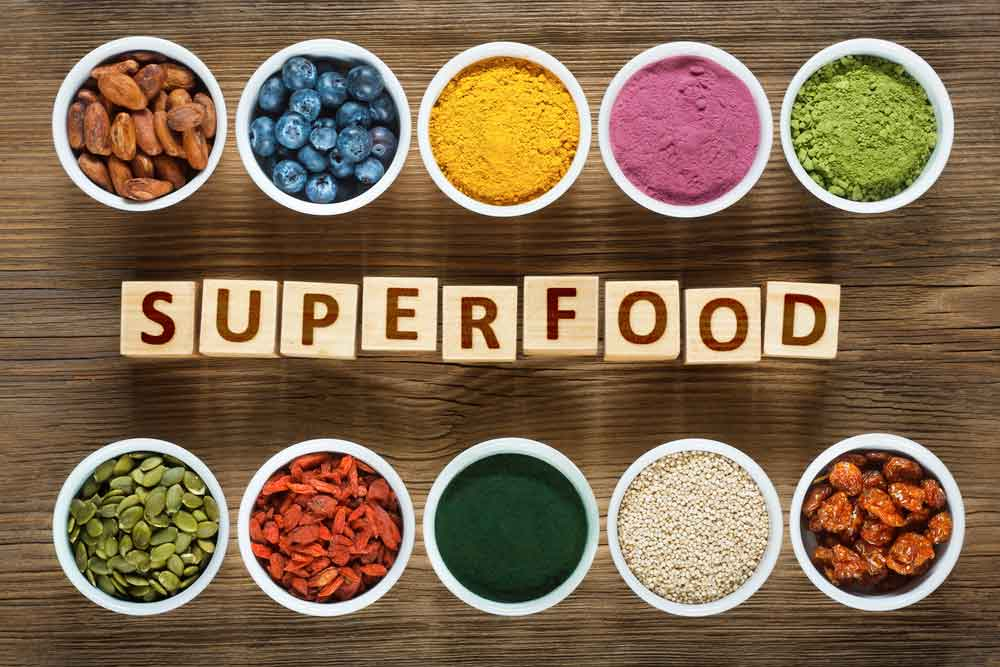 superfood Chia, chanvre, spiruline, cacao, avoine, acaï, goji, chlorella