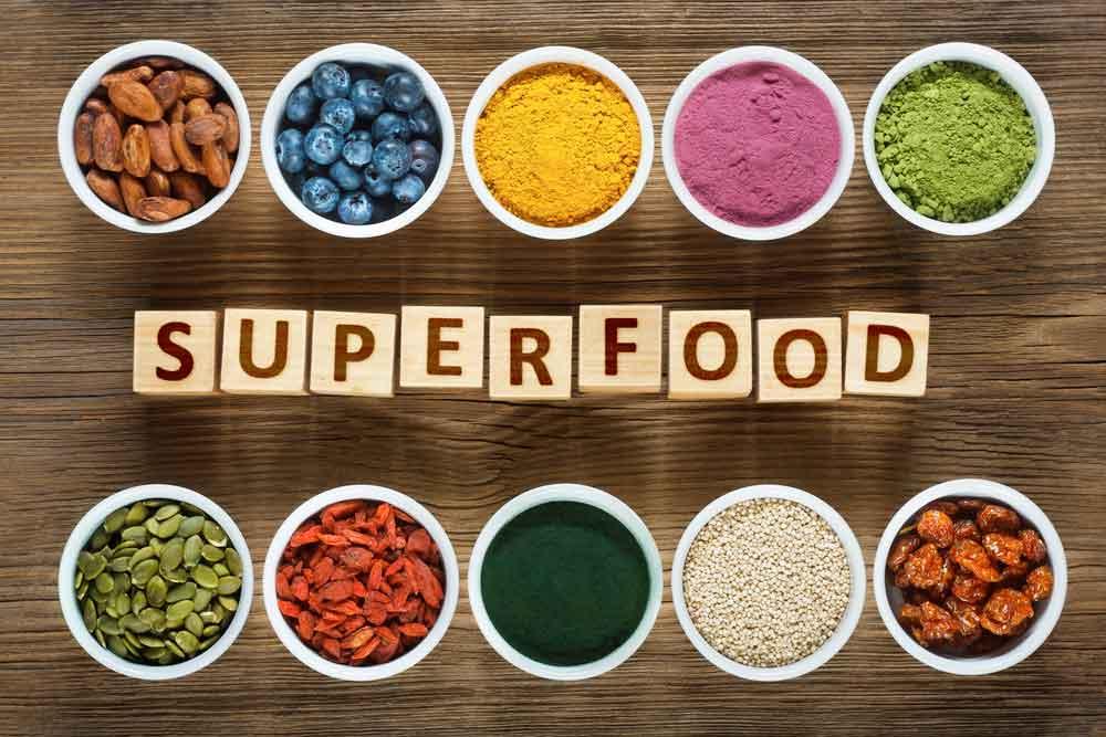 superfood Chia, chanvre, spiruline, cacao, avoine, acaï, goji, chlorella