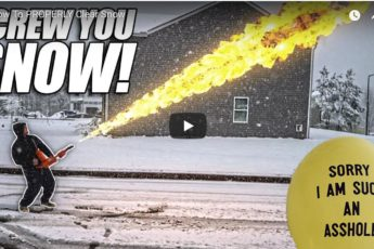 un lance-flammes pour déblayer la neige