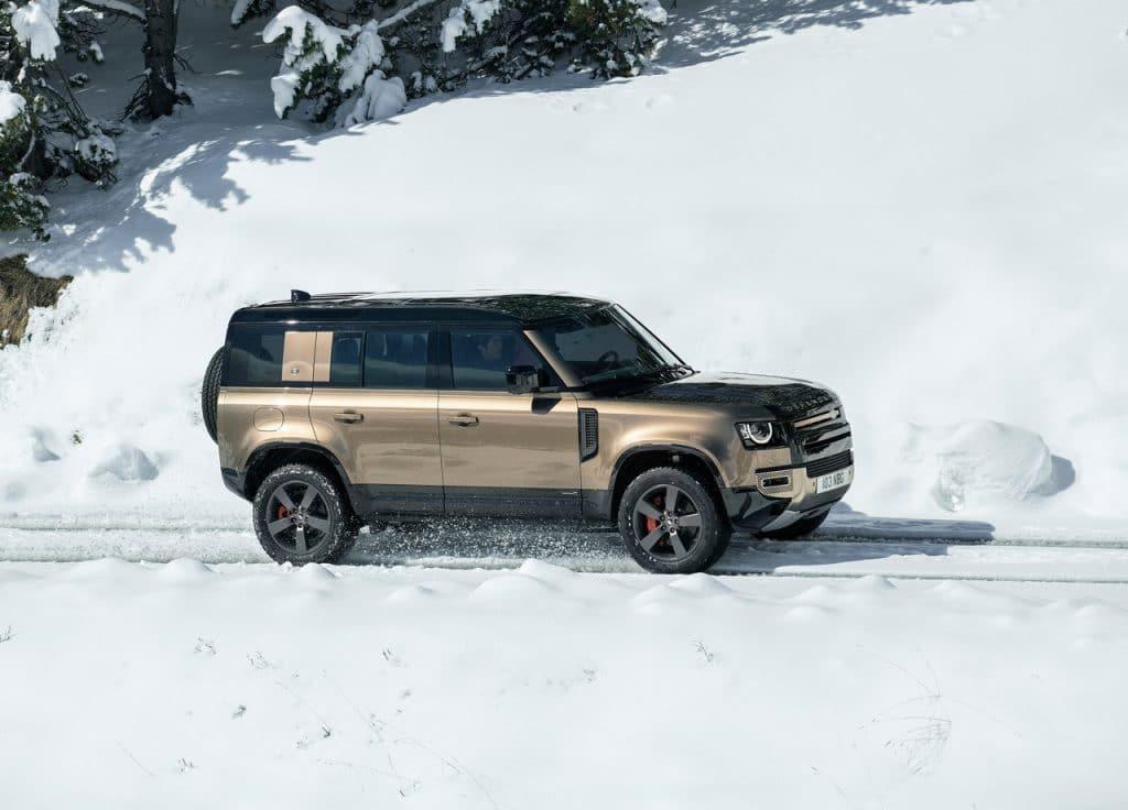 nouveau defender dans la neige