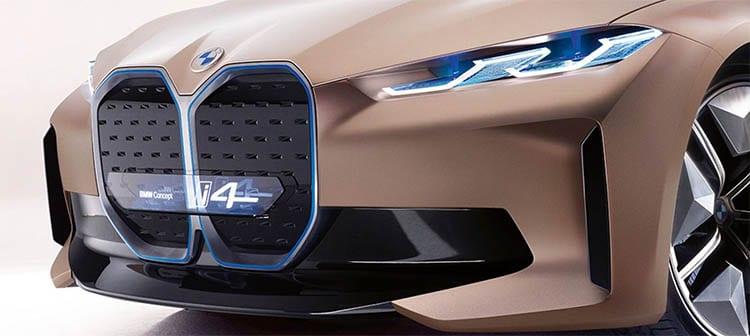 La BMW i4 et le nouveau logo flat design annonce une petite révolution pour la marque bavaroise.