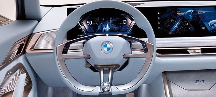 BMW Concept i4 est 100 % électrique et annonce la couleur concernant le design des prochains véhicules électriques de la marque.
