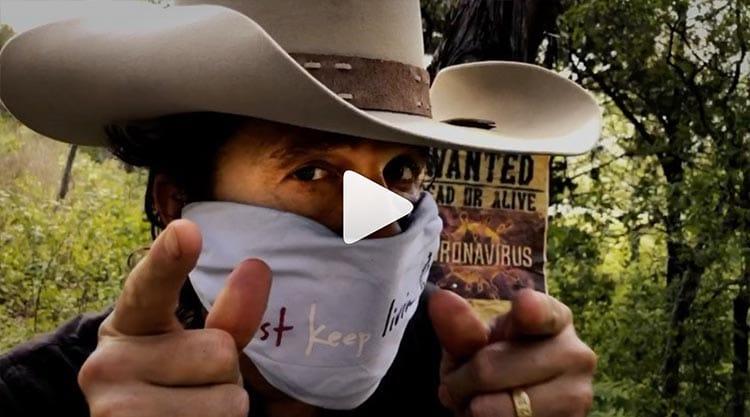 Matthew McConaughey vous propose un tuto de CowBoy spécial masque